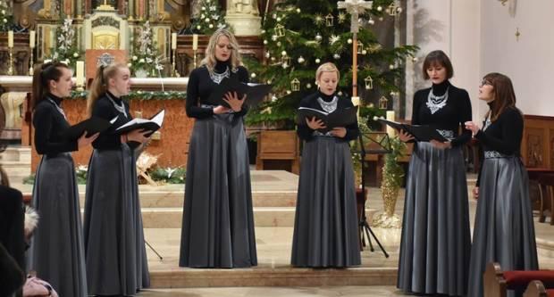 Održan Božićni koncert u požeškoj Katedrali