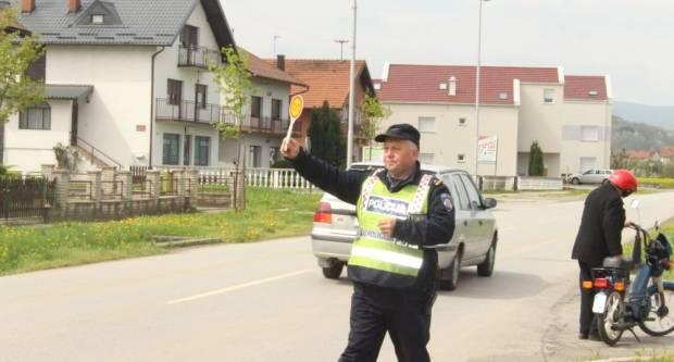 20-godišnjak s 1,24 promila bježao policiji u Pakracu