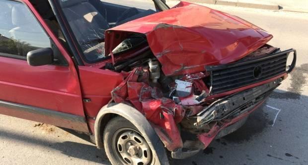 ʺGolf IIʺ totalno uništen: Teža prometna nesreća u Frankopanskoj ulici u Požegi