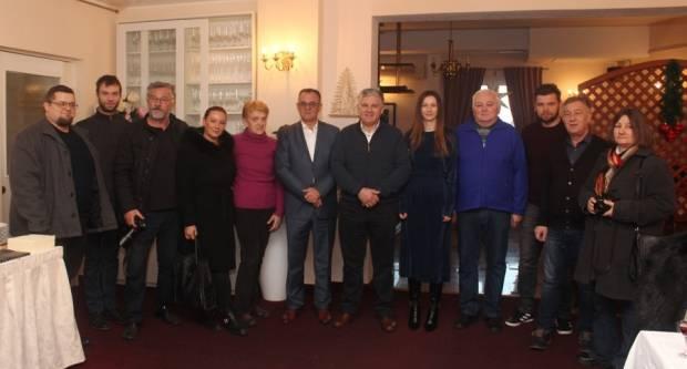 Župan je održao tradicionalno druženje s novinarima, a pojedince je uhvatila žgaravica pa su otišli po Gastal i propustili doručak