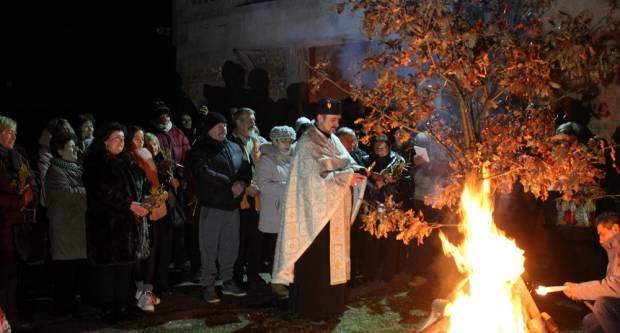 Vjernici pravoslavne vjeroispovijesti proslavili Badnjak, 6.1.2020.