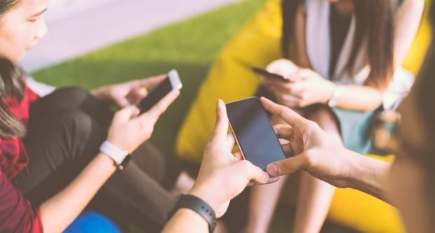 Predložen zakon koji bi zabranio korištenje i posjedovanje mobitela osobama mlađima od 21 godine