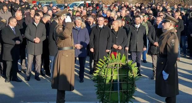 Župan Marušić i ove godine odao počast poginulima u VRO Maslenica '93