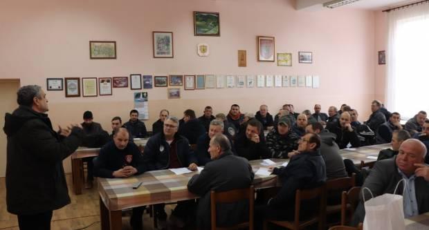 U Lipiku održano postrojavanje pripadnika civilne zaštite