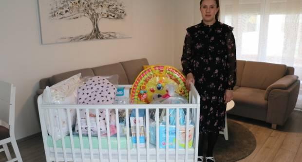 Oprema za bebe stigla u pet brodskih obitelji