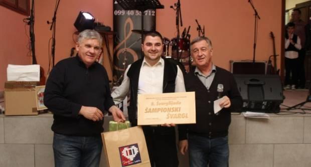 Šampionski švargl OPG Galić iz Pleternice, a po glasovanju posjetitelja Etno kuće Bello prošlogodišnjeg šampiona