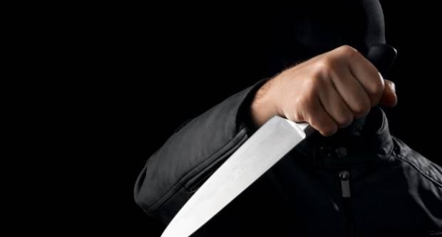 U Slavonskom Brodu maskirani nepoznati počinitelj ušao u benzinsku postaju i prijetio nožem
