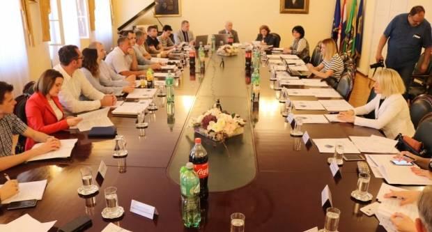 Usvojeno Izvješće o radu gradonačelnika Puljašića