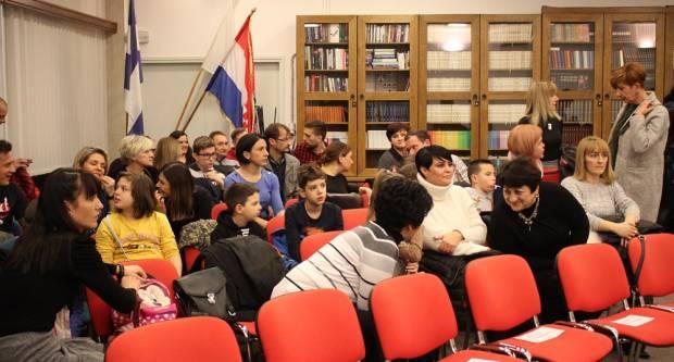Umjesto na polojskoj cesti Mazatori su sinoć bili u Gradskoj knjižnici