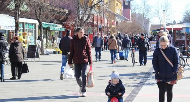 Subotnja, sunčana šetnja Slavonskim Brodom