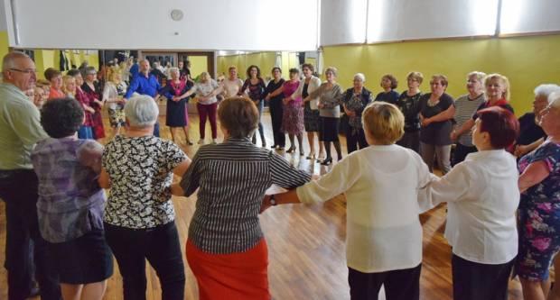 U nedjelju se održava još jedna plesna večer za umirovljenike