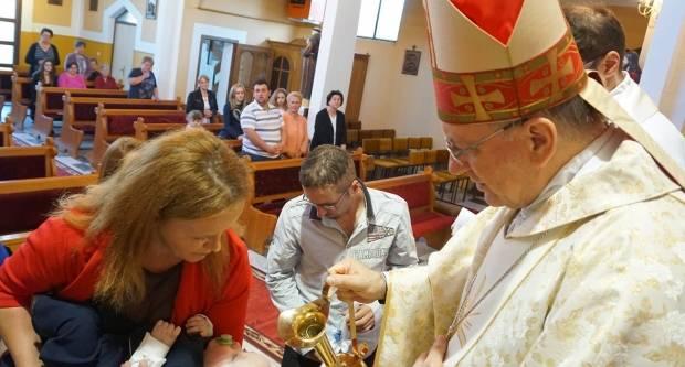 Biskup Škvorčević krstio deveto dijete obitelji Iličić