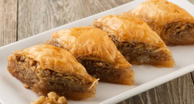 Bogata, sočna i slatka: Pravi recept za savršenu baklavu
