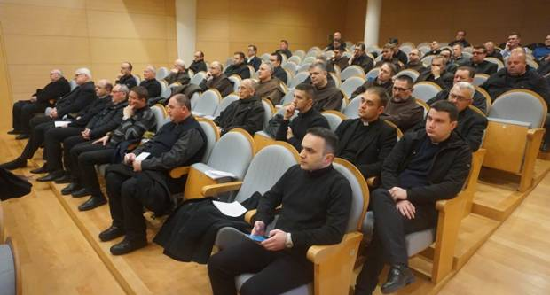 Održana korizmena duhovna obnova svećenika i đakona Požeške biskupije