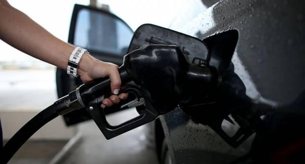DOBRE VIJESTI ZA VOZAČE: Ponovno pale cijene goriva