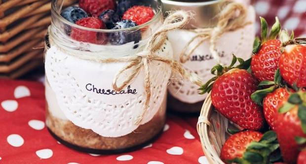 Cheesecake u teglici: Prefin desert bez pečenja idealan za izlete