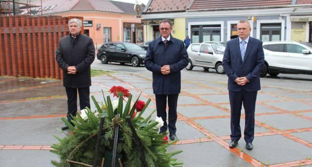 Skromno obilježavanje Dana županije, županov osvrt na prošlu godinu i polaganje vijenca na Trgu 123. brigade