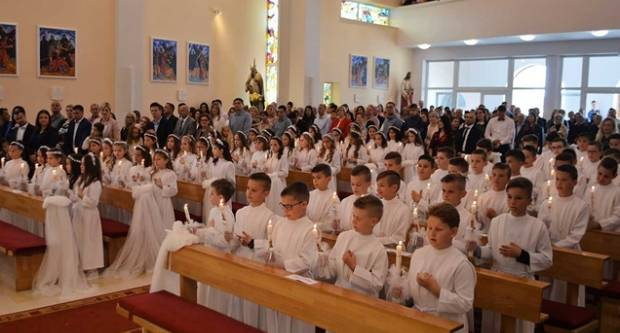 Priprema kandidata za prvu svetu pričest i potvrdu  internetskim putem u Požeškoj biskupiji!