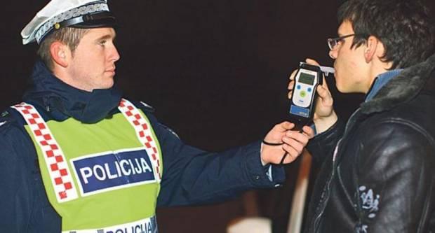 48-godišnjak pod utjecajem alkohola kršio mjeru samoizolacije te omalovažavao i vrijeđao policijske službenike