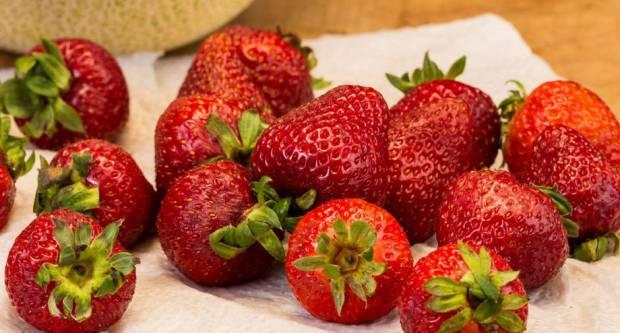 Trik s kojim svježe jagode neće početi truliti u hladnjaku 24 sata nakon kupovine