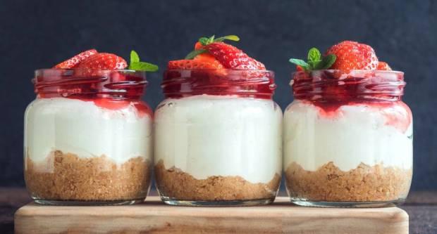 Recept za cheesecake u čaši za koji vam ne treba mikser i pećnica