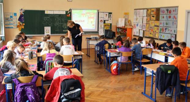 Šaljete li djecu u ponedjeljak u školu? Recite nam u anketi!