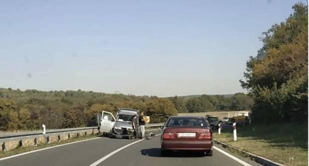 Prometna nesreća na autocesti: Ozlijeđene dvije osobe