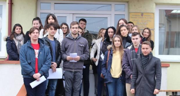 Unatoč koronavirusu Grad Kutjevo pomaže stundentima i isplatit će im stipendije