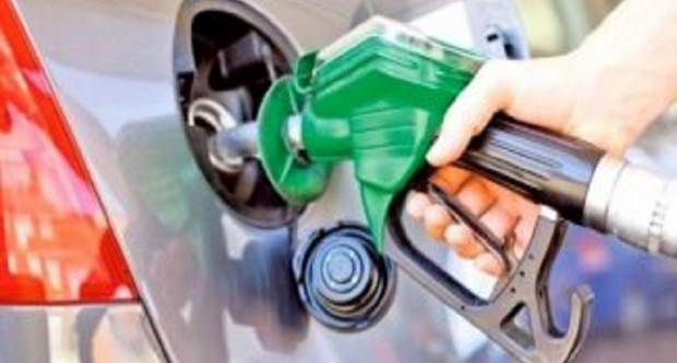 Tko je kriv za visoku cijenu? Hrvati benzin i dizel toče u Mađarskoj, Austriji i BiH