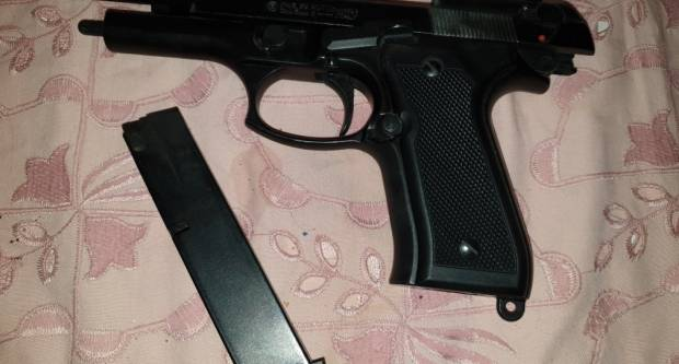 52-godišnjak iz Grabarja čisto plinski pištolj pa se lakše ozlijedio