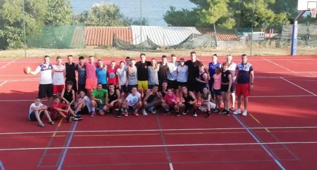 Brodske košarkašice i košarkaši na kampu ʺMedena 2020ʺ
