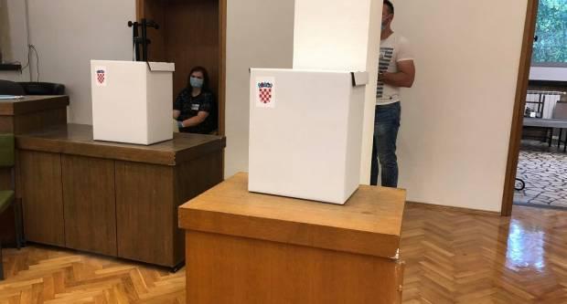 U Slavonskom Brodu glasovat će dvoje COVID pozitivnih birača