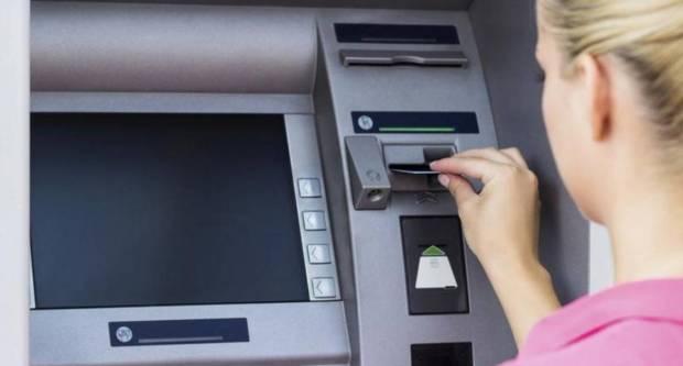 Ukrala bankovnu karticu pa, kako bi skrenula pozornost sa sebe, lažno prijavila da je i njoj ukradena kartica