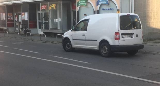 Jučer ukupno četiri prometne nesreće, teže ozlijeđen biciklist u Požegi