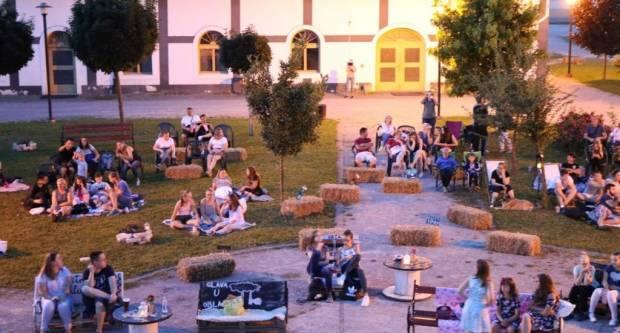 Danas u Pakracu u dvorištu kurije Janković ʺKino pod zvijezdamaʺ od 21 sat