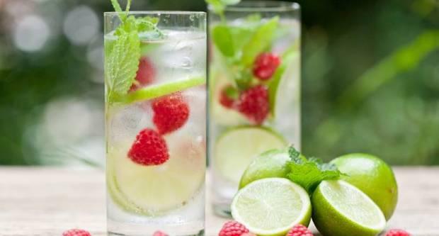 Napravite svoju vodu s okusom - donosimo vam pet ideja kako
