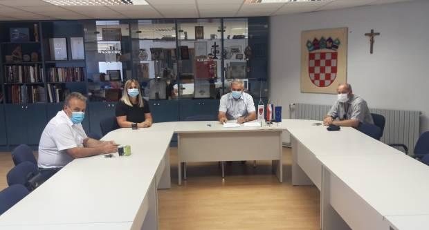 Potpisan Ugovor o izgradnji pješačke staze u Dragi