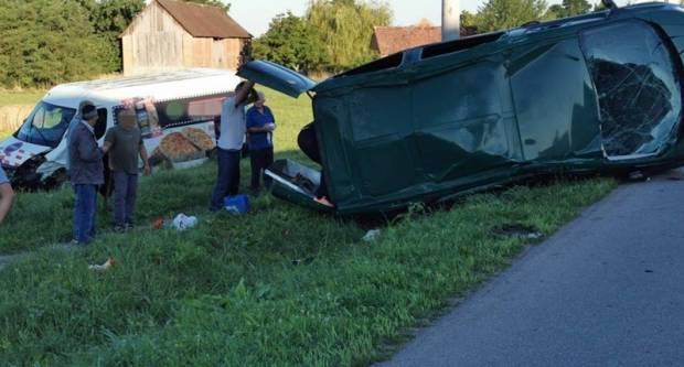 TEŠKA PROMETNA NESREĆA: Sudjelovalo tri vozila, ozlijeđeno šest osoba