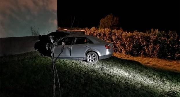 KOD VINKOVACA: U teškoj prometnoj nesreći smrtno stradale četiri mlade osobe