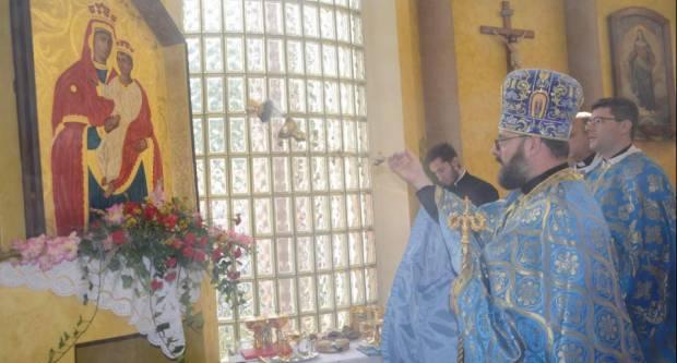Mons. Milan Stipić blagoslovio ikonu Presvete Bogorodice
