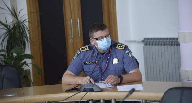 NAČELNIK: ʺImamo tri zaražene djelatnice na upravnim poslovima i jednog policijskog službenikaʺ