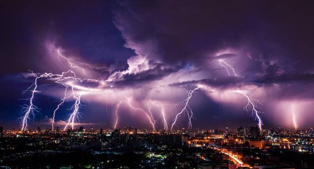 ZA VEĆI DIO HRVATSKE IZDAN ALARM: Prijeti gadno nevrijeme, oluje i munje, moguće tuče i pijavice