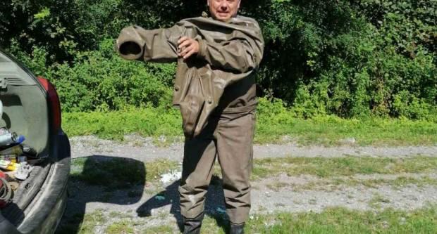 Pakrački lovac na stršljene uklanja opasna gnijezda stršljena