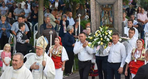 Na blagdan Male Gospe vjernici iz župa Slavonsko-podravskog arhiđakonata tradicionalno hodočastili u marijansko svetište u Voćinu