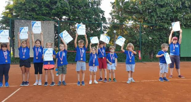 3. Ljetnu školu tenisa u sklopu programa ʺPOŽEŠKO SPORTSKO LJETOʺ završilo 76 polaznika