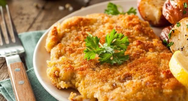 ʺPohanciʺ iz pećnice: Recept za sočne šnicle punjene šunkom i sirom