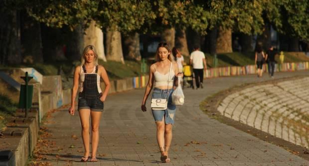 FOTOGALERIJA: Šetnja centrom grada u kasno ljeto