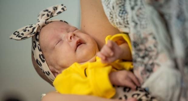 Mala Slavonka Elena je najmanja beba u Hrvatskoj rođena s tek 414 grama