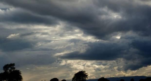 Vrijeme danas umjereno i pretežno oblačno