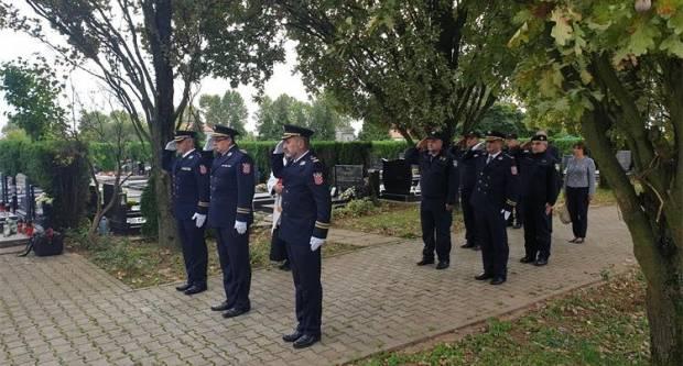 PU brodsko-posavska skromno obilježila Dan policije